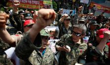 A South Korean war veterans protest