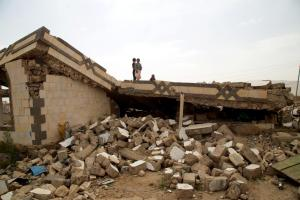 The house of Muhammad Saleh al-Qihwi was destroyed in an airstrike on April 11, 2015, killing four members of his family.( © 2015 Ole Solvang/Human Rights Watch.)