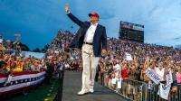 Donald Trump greets his fans while on campaign. AlistairReignBlog.com