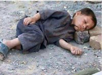 Yemeni children are sleeping in the streets. (Photo: Twitter Anonymous). alistairreignblog.com