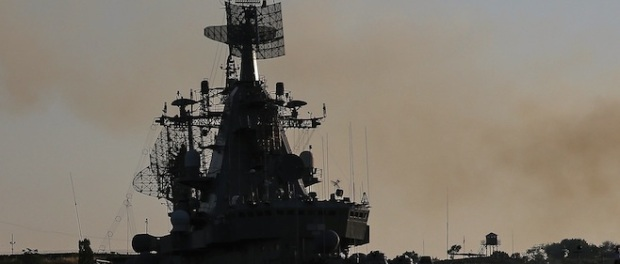 Russia has stationed in the eastern Mediterranean several warships capable of launching guided missiles — the flagship missile cruiser Moskva, one destroyer, and two smaller frigates. (Photo: Denis Abramov / Vedomosti).