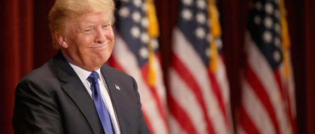 Des Moines, IA: Republican presidential candidate Donald Trump smiles as he speaks to veterans at Drake University on January 28,1916.