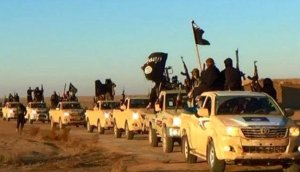The Islamic State convoy of DAESH fighters enters Iraq.