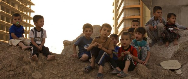 Internally displaced children in Syria, 2016.