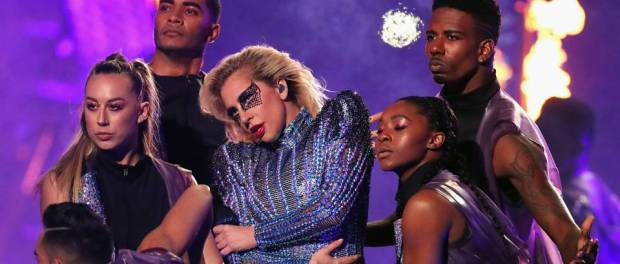 Lady Gaga Wows Fans At Superbowl 2017. Watch the full show!
